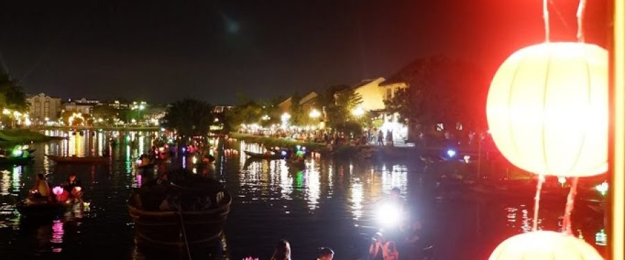Hoi An, Vietnam :  Lawas Dan Romantis